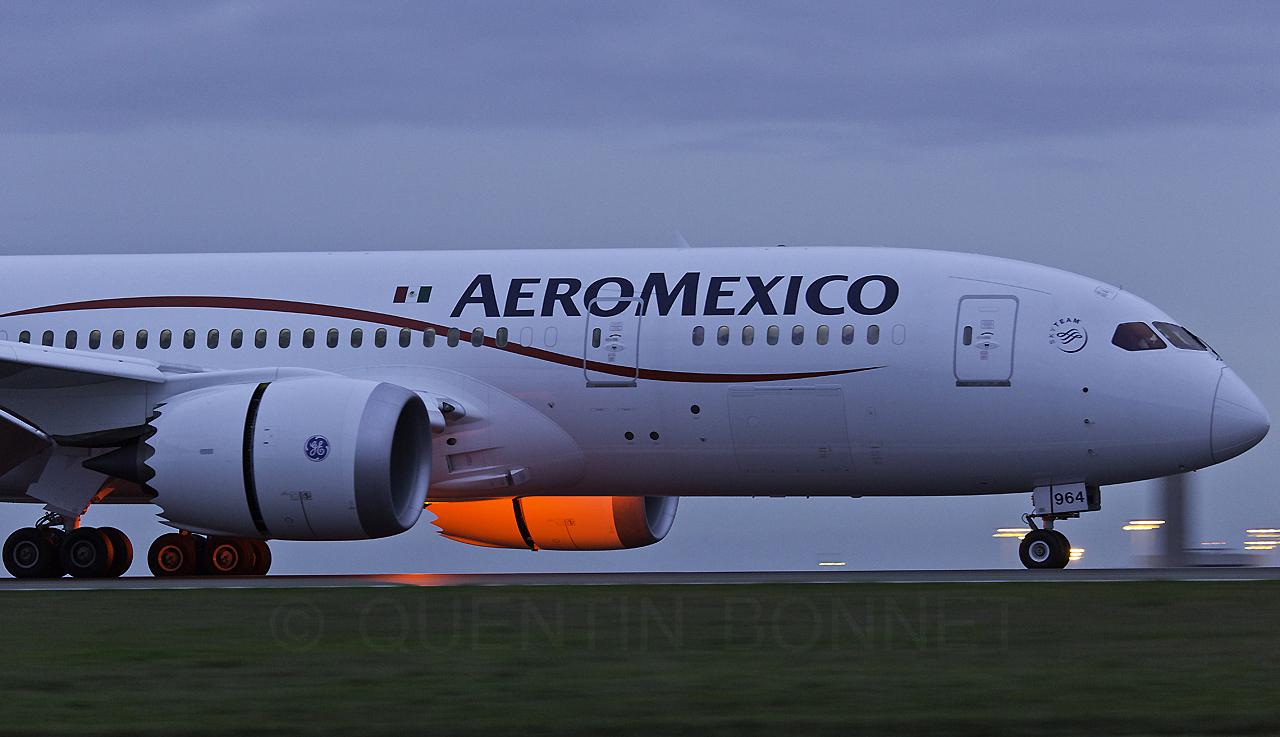 Aeromexico Boeing 787-8 Dreamliner N964AM