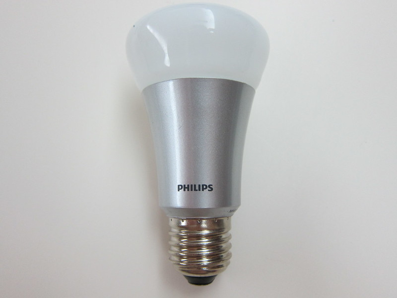 Philips hue - Connected Bulb Front