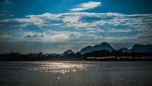 river thailand thai kanchanaburi maeklong