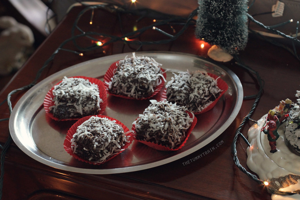 11418014105 24544d174f b - {Christmas Countdown 2013} Just because lamingtons remind me of snow