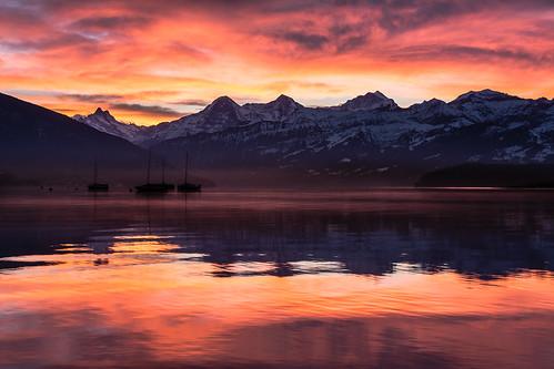 sunrise alpen thunersee berneroberland dreigestirn