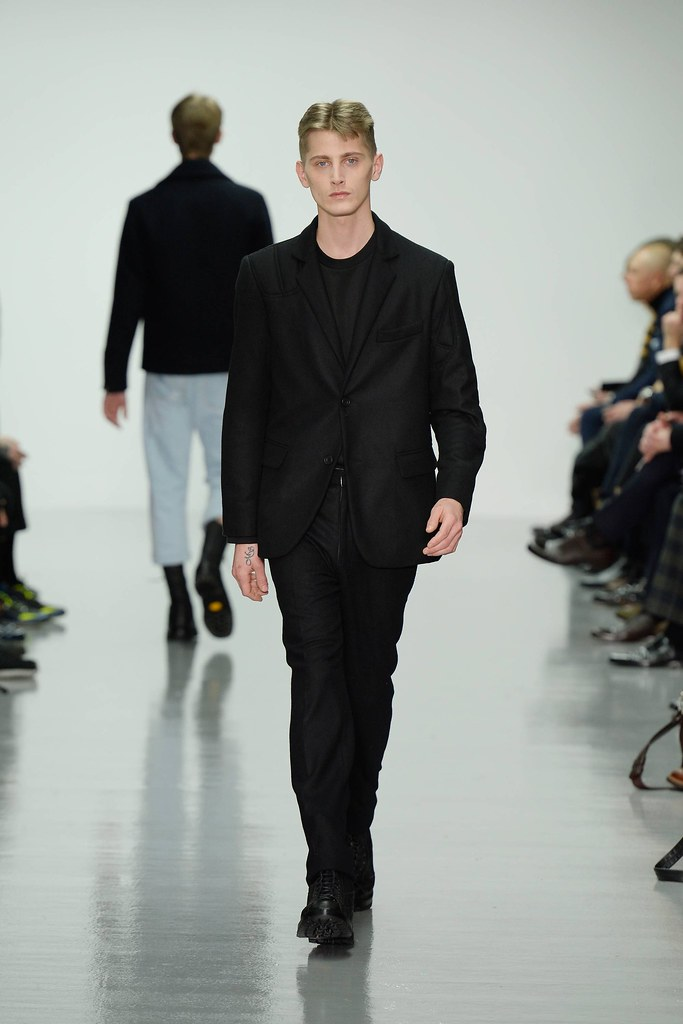 FW14 London Lou Dalton019_Martin Lekic(VOGUE)
