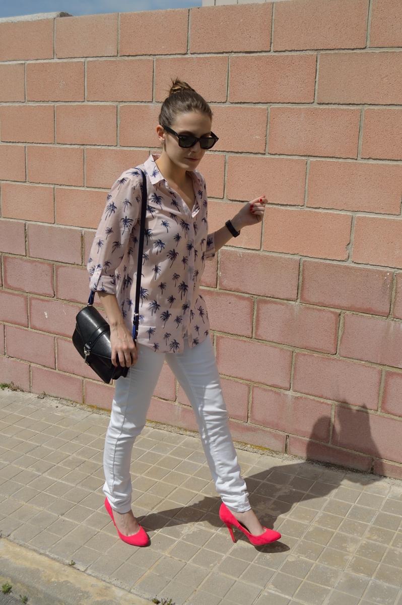 lara-vazquez-madlula-blog-fashion-trends-style-streetstyle-pink-look-white