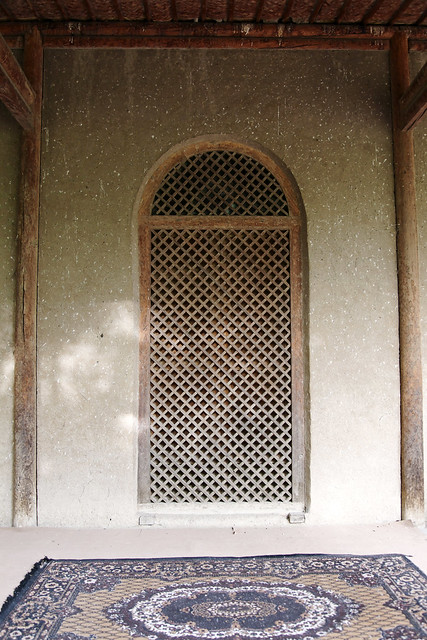 Simple style arched window in Tomb of Gaisi, Kumul (Hami) ハミ、ケイス廟のシンプルなアーチ窓