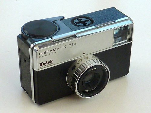 Kodak Instamatic 233 by pho-Tony