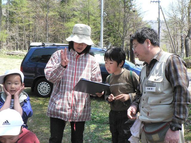 再び,二川キャンプ場駐車場に集合し,各々の調査結果を報告しあった.