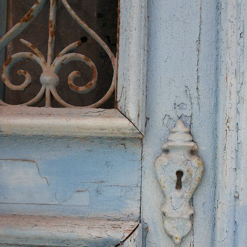 #blue #doors #doorsworldwide #doors_p #rust #keyhole by Joaquim Lopes