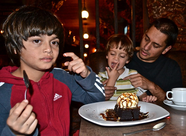 Brownie Fun - Pizza Grizzly, Guatemala
