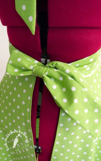 Green 50s style apron, szycie, grochy, bawełna, house of cotton, retro fartuszek