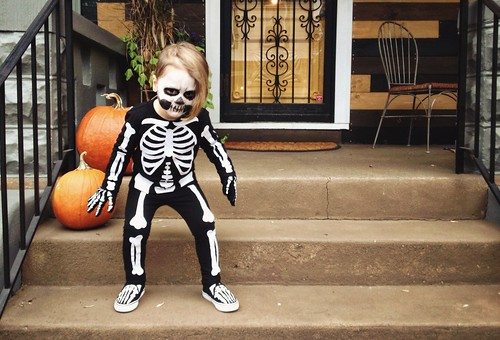 spooOOOooOOOooky skeleton