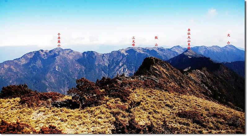 干卓萬山塊與十八岩峰(From 卓社大山) 2