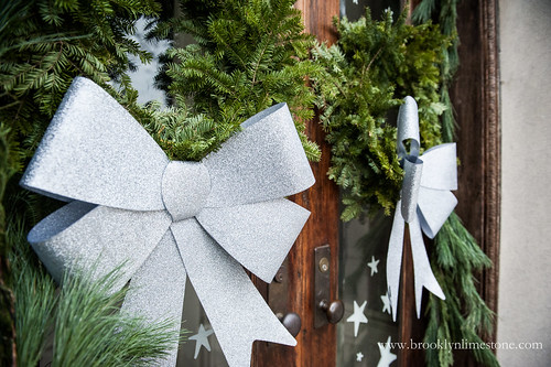 ChristmasStoopBrooklynLimestone20131201-2