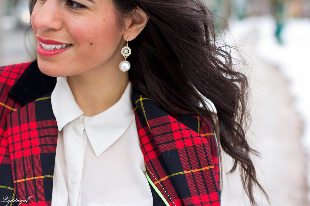 red plaid blazer and gold-6.jpg