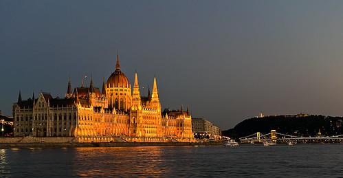budapest parliament thebluehour lindtnerbéla belalindtner