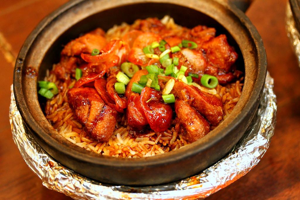 Malaysia Boleh's Petaling Street Famous Claypot Chicken Rice 茨廠街驰名瓦煲雞飯
