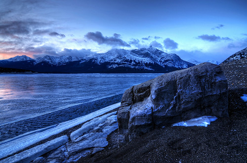 winter lake canada ice sunrise landscape rockies frozen nikon tokina alberta rockymountains 1224 abrahamlake d300s mountmichener
