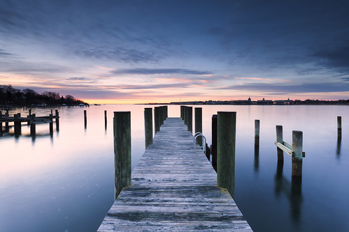 longexposure winter night sunrise landscape dawn pier dock cloudy smooth filter pilings annapolis cliche waterscape navalacademy severnriver riversandstreams neutraldensity singhray severninn darylbensonrgnd
