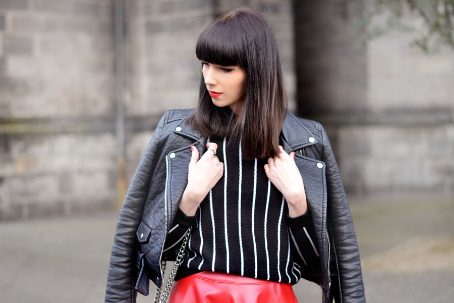 Romwe red skirt Zara leater biker Romwe striped shirt chanel le boy chanelofficial boybag CATS & DOGS black red fashion blogger Berlin 4
