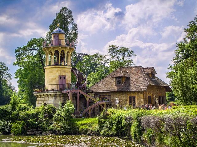 La Laiterie et la Tour Malbrough à Versailles (2)