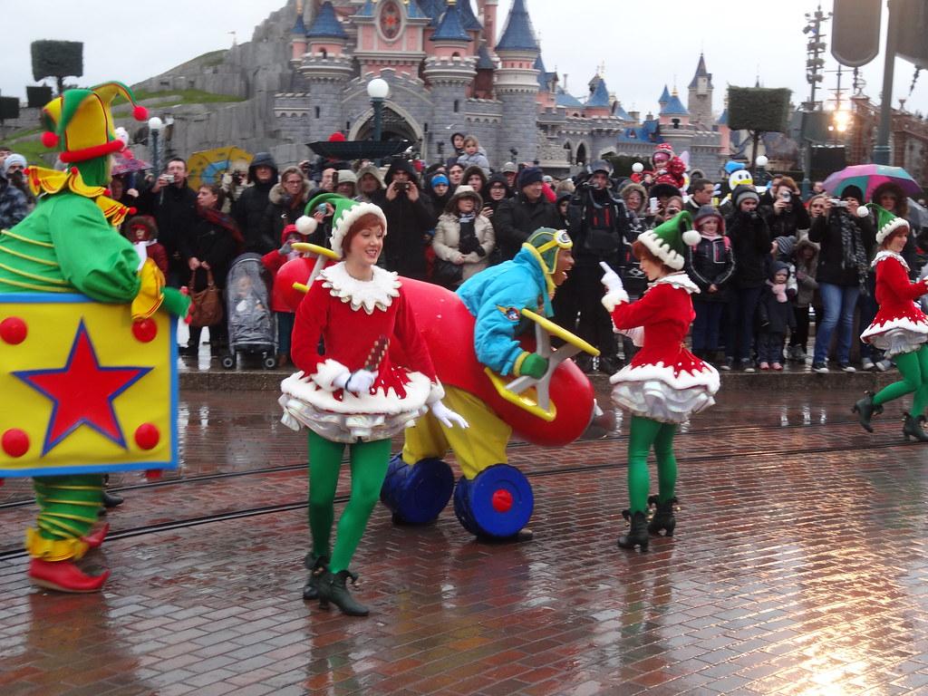 Un séjour pour la Noël à Disneyland et au Royaume d'Arendelle.... - Page 6 13899572265_dc32987b08_b