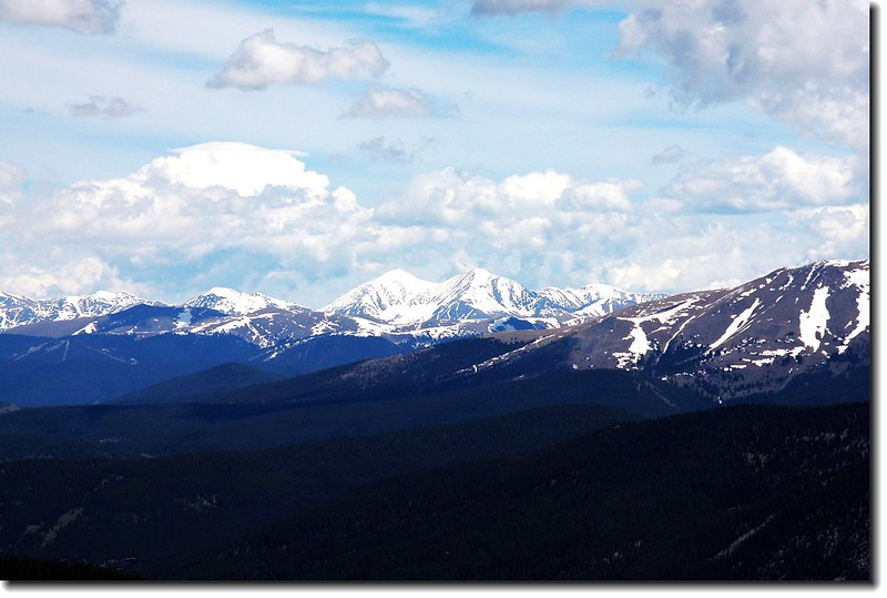 View to NW,14ers Grays & Torreys are in the distance
