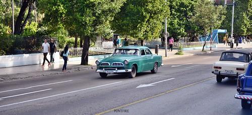Chrysler 55 à La Havane