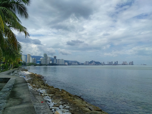 the view from the seawall @ the Eastern & Oriental
