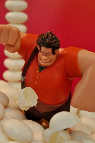 Wreck-It Ralph vs. Mentos