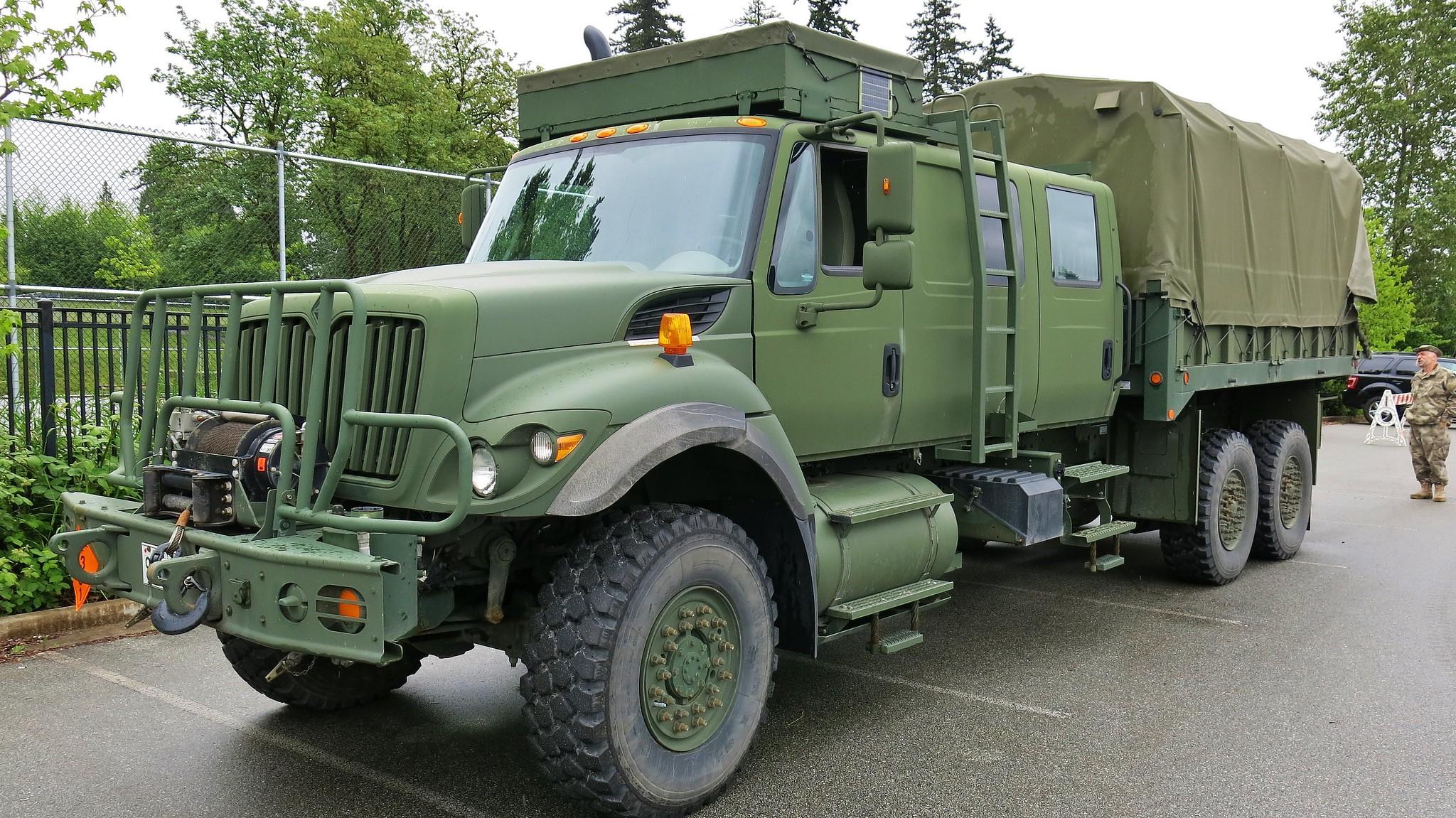 2010 Navistar-Defence International 7000-Series Military ...