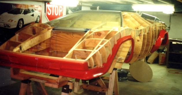 Lamborghini-Countach-Built-In-Mans-Basement-4