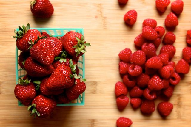 strawberry and raspberry quick jam