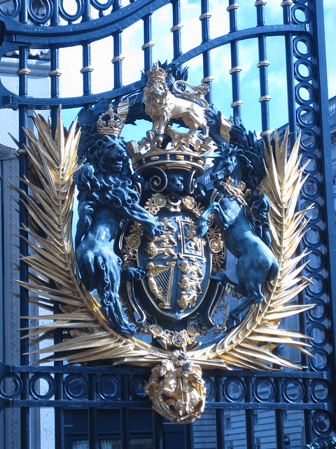 detail on Buckinham Palace gates