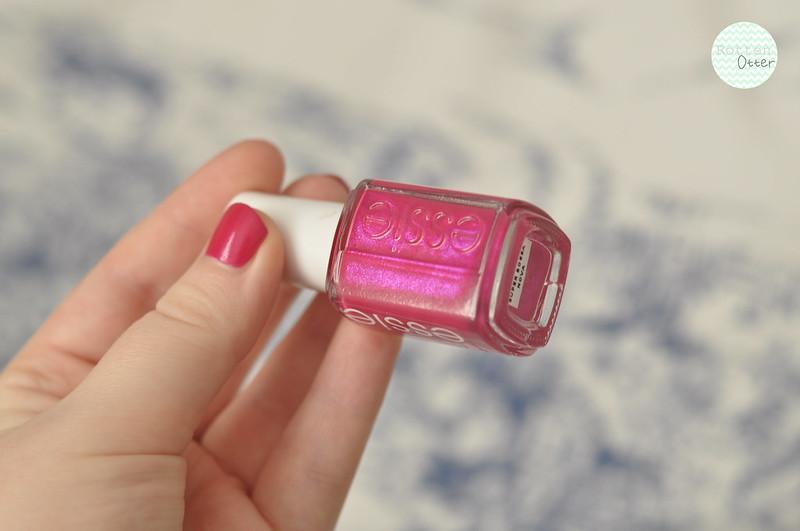 notd essie super bosa nova nail polish rottenotter rotten otter blog 1