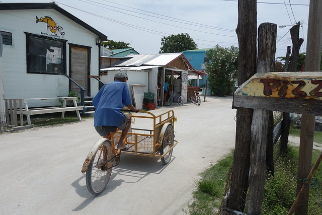 caye calker, cycling, no cars allowed, belize, cycling in caye caulker, cycling in belize, travel, bike gang, girls cycling