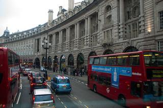 Dans un bus à impérial sur Regent's Street