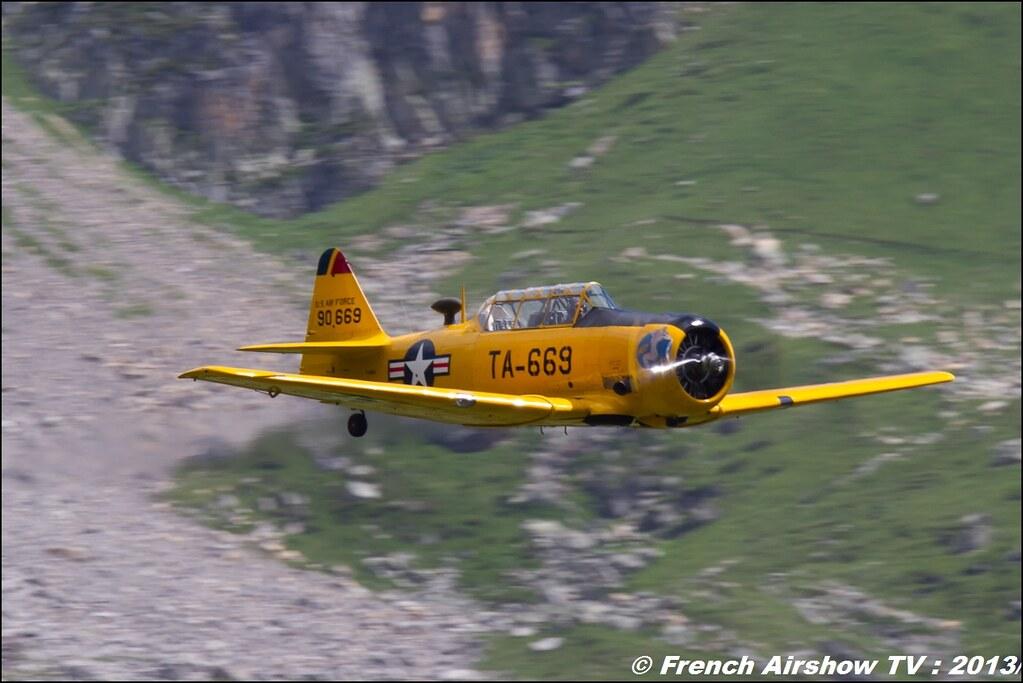 T-6 AeroRetro jaune T-669, Meribel Air Show 2013