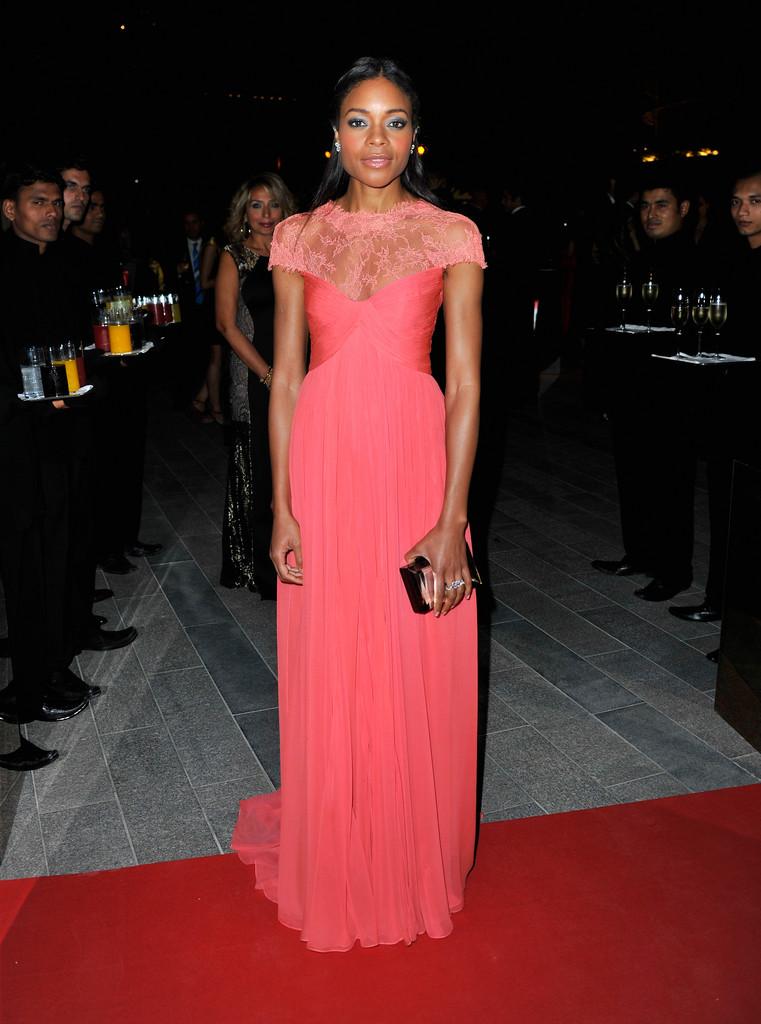 naomie-harris-oxfam-charity-gala-dubai-monique-lhuillier-gown