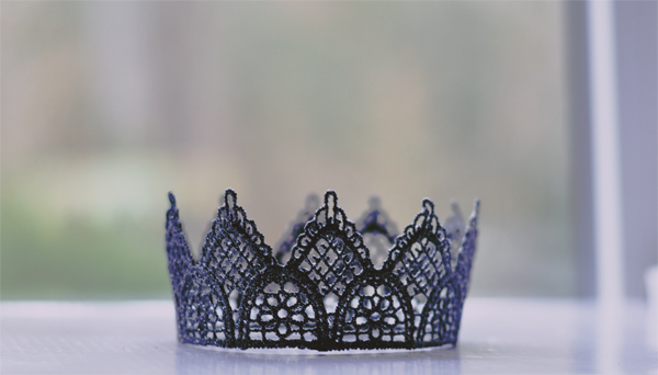 black crown small
