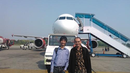 Foto sama pak Arief di Bandara Sultan Syarif Kasim II