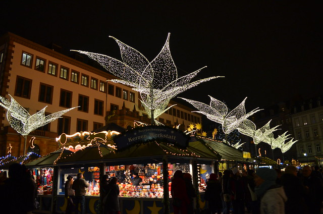 Wiesbaden Sternschnuppenmarkt corner with lights