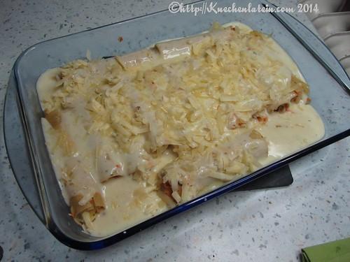 ©Canneloni mit Sauerkraut-Möhrenfüllung und Cheddar-Béchamelsoße (2)