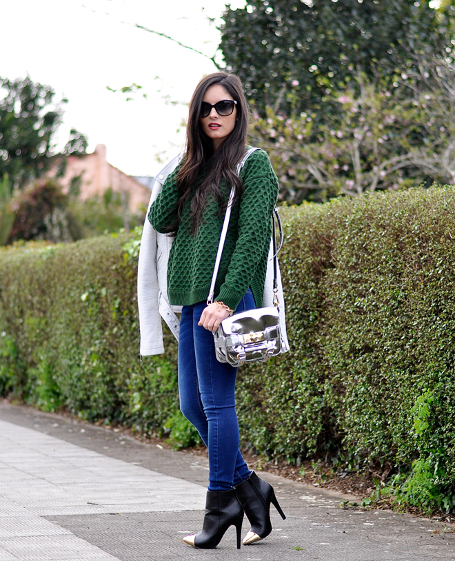 Green Sweater_02