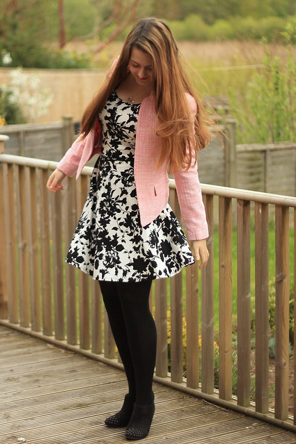 OOTD, outfit of the day, pink boucle blazer, pink cardigan, monochrome floral dress, black tights, studded boots