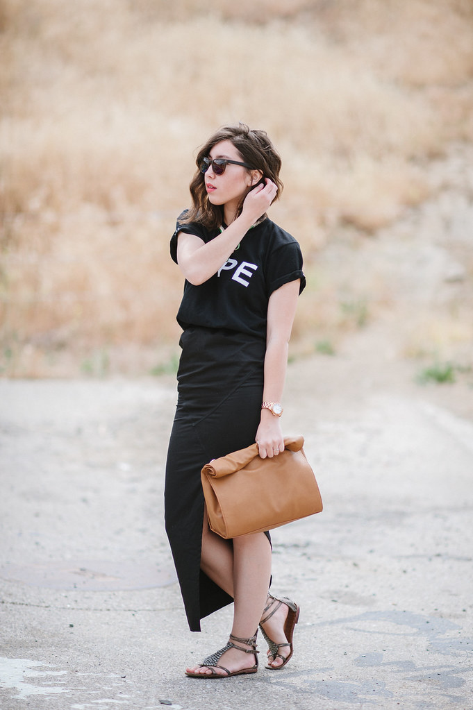 san francisco fashion blog,readytwowear, mallory watkins, assymetric skirt, geometric skirt, maxi skirt, zara basic messenger, paper bag clutch, john ruvin matt, how to style, tee shirt, anna dello russo