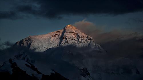china sunset night golden evening peak tibet latenight summit everest mounteverest sagarmatha rongbuk chomolungma sunreflections