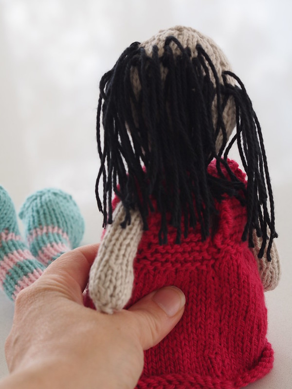 knitting a doll for elodie