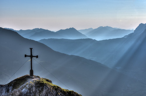 sunlight sunrise austria tirol colorful pentax kr hdr tyrol autriche lermoos grubigstein