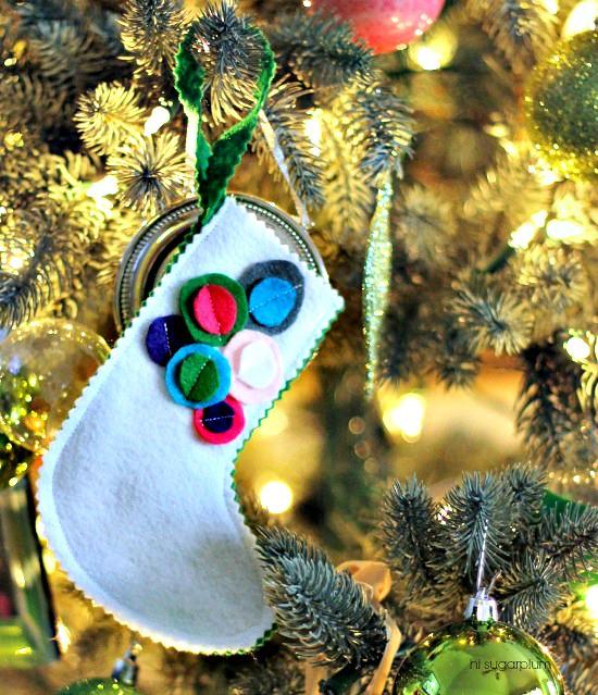 Hi Sugarplum | DIY Felt Stocking Ornament/Gift Card Holder