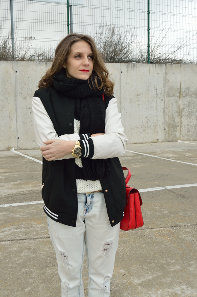 lara-vazquez-madlula-blog-boyfriend-jeans-jacket-red-bag