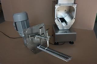 Dosatore bivite serie EC con gruppo motorizzazione, aspo e coclee di dosaggio smontati